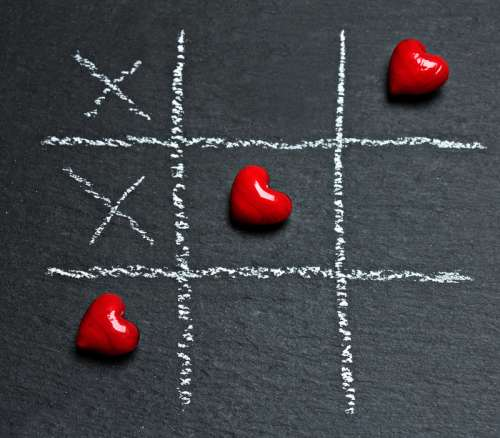Tic Tac Toe with Hearts free photo
