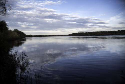 Upstream landscape view of the Wisconsin River from Ferry Bluff, Wisconsin free photo