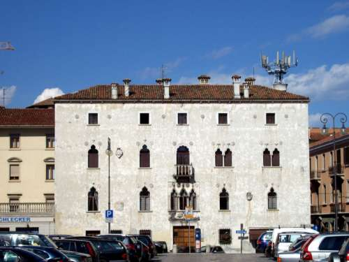Venetian house in Udine, Italy free photo