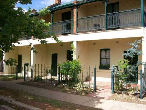 Victorian Terraces in Dubbo, New South Wales, Australia free photo