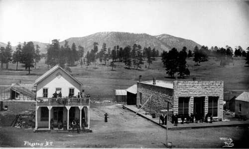 View of Post Office and other buildings on Terrace Street in Flagstaff, Arizona free photo