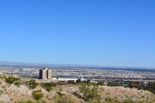 View of the landscape of El Paso and the Desert in Texas free photo