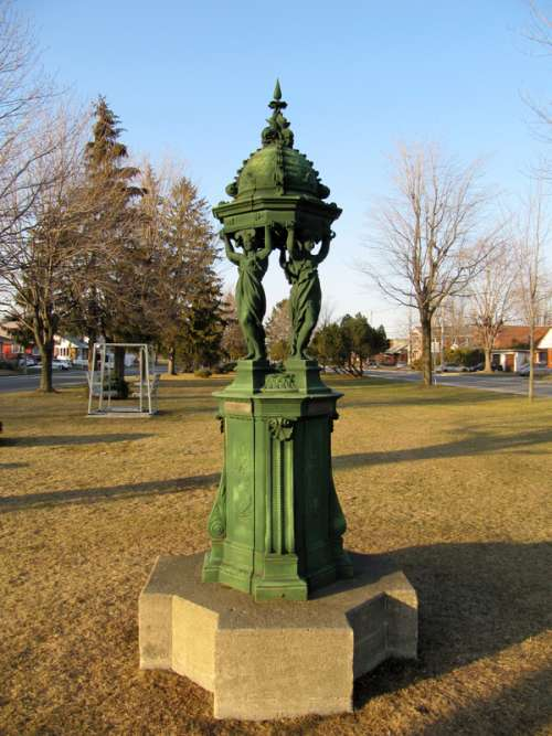 Wallace fountain at Isabelle park in Quebec, Canada free photo
