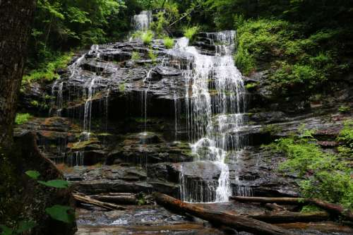 Waterfalls and Nature in South Carolina free photo