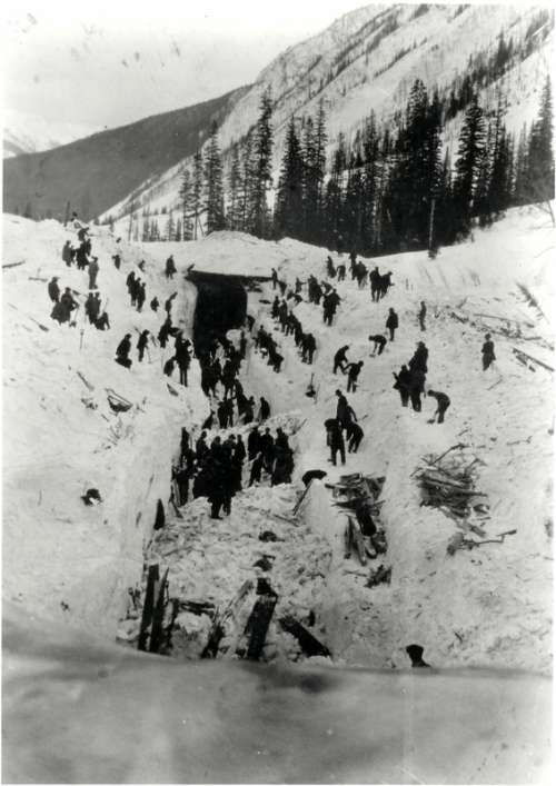 Workers Attempt to rescue buried collegues in 1910 in British Columbia, Canada free photo
