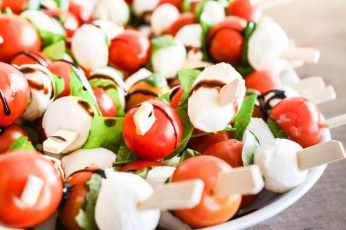 Cherry tomatoe and mozzarella savour close up