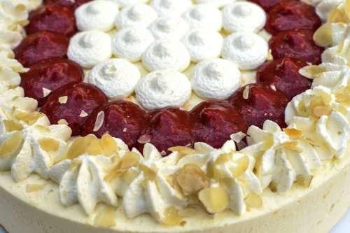 Cake in detail