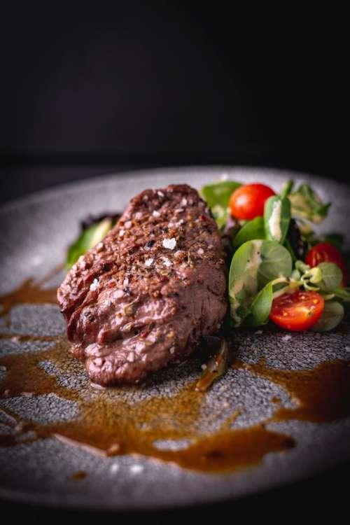Juicy steak with salad