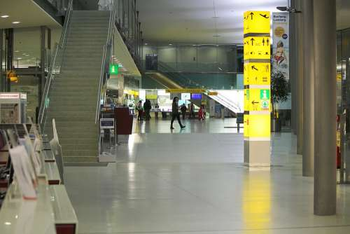 Abflug Hall Gates Switch Check In