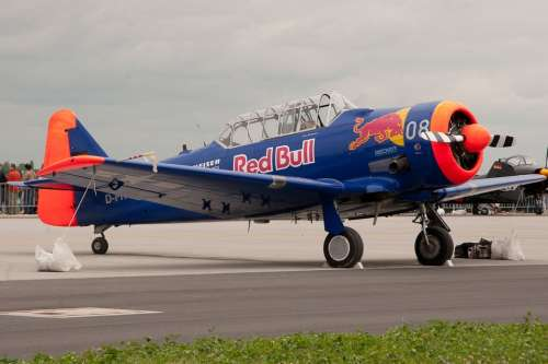 Aerobatics Aircraft Flugshow Flying M17 Red Bull