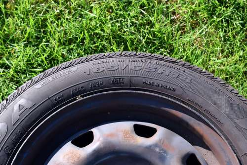 Auto Tires Mature Auto Automotive Wheel Rubber