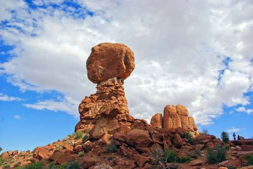 Balanced Rock At Arches Balanced Landscape Utah