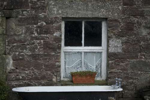 Bathtub Scotland Window