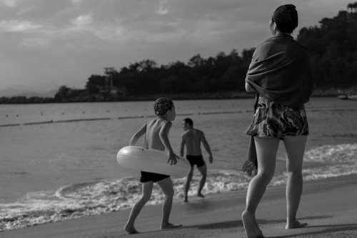 Beach Family Kids Swim Tourism