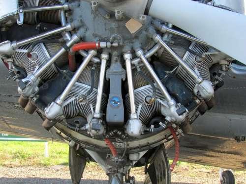 Beechcraft 18 Engine Airplane Aviation Aircraft