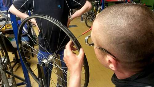 Bike Rim Centering Wheel Truing Stand