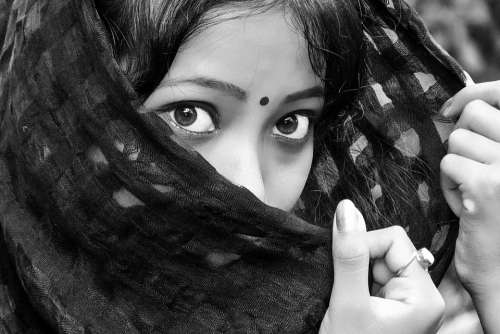 Black Eyes Girl India Indian Lady Headscarf