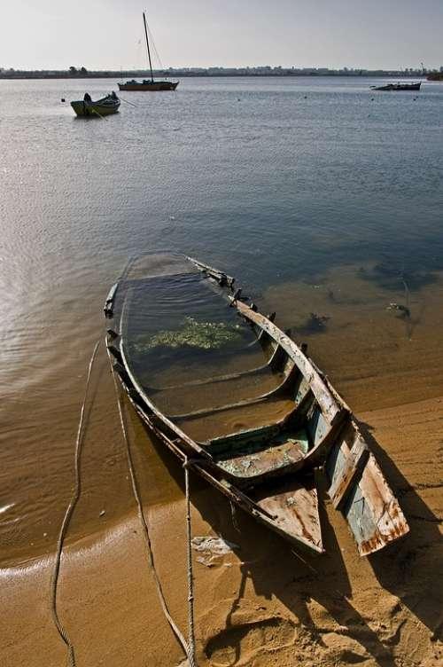 Boat Sinq Water