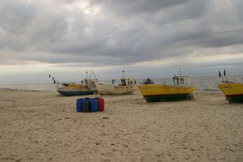 Boat Waiting Peace Of Mind The Harmony Sea Fish