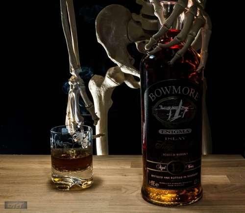 Bottle Liquor Skeletal Glass Whisky Carpenter