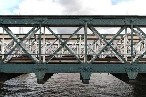 Bridge River London Water City England