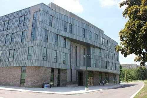 Building Modern Medicine Uwo Clinic