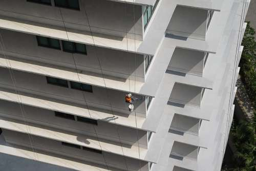 Building Maintenance Job In The Air Safety First