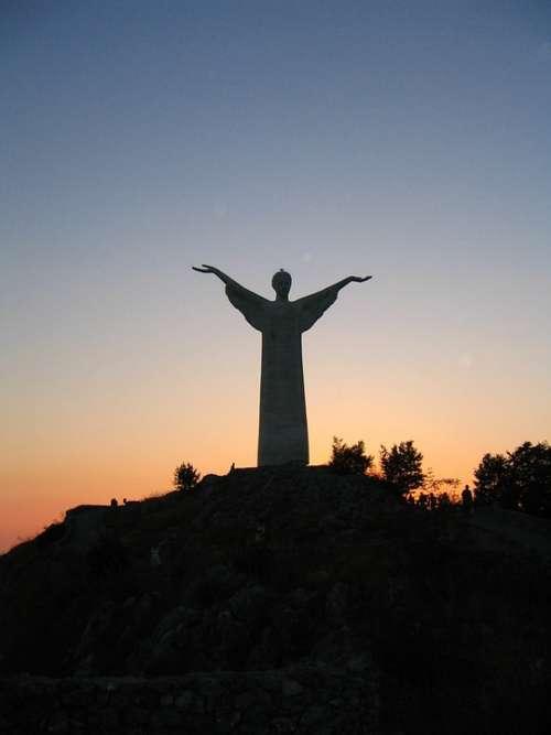 Calabria Statue Sunset