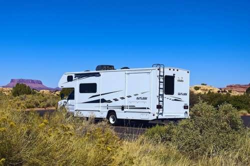 Caravan At Needles Camper Caravan Motorhome Travel