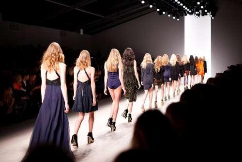 Catwalk Models Women Fashion Fashion Show Showing