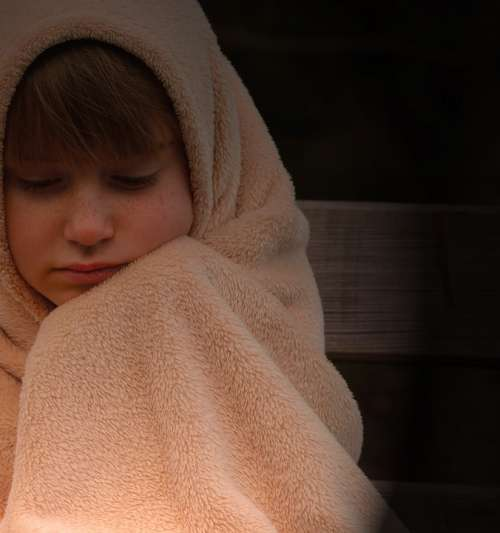Child Girl Blanket Evening Freeze Alone Lonely