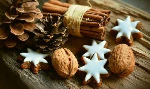 Cinnamon Stars Cinnamon Sticks Pine Cones