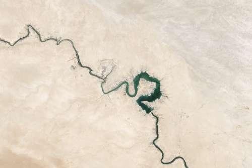 Cracks Desert Dry Euphrates River Sand Topography