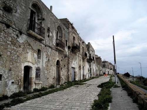 Craco Village Earthquakes Lost Earthquake Impact