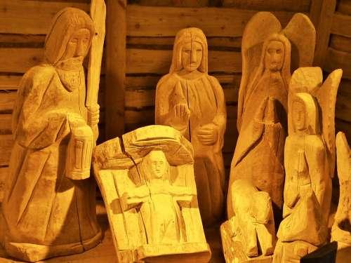 Crib Hl Family Christmas Stall Wood Figures