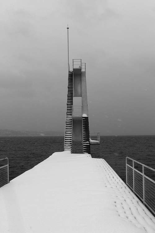 Diving Tower Landmark Sea Ocean Architecture
