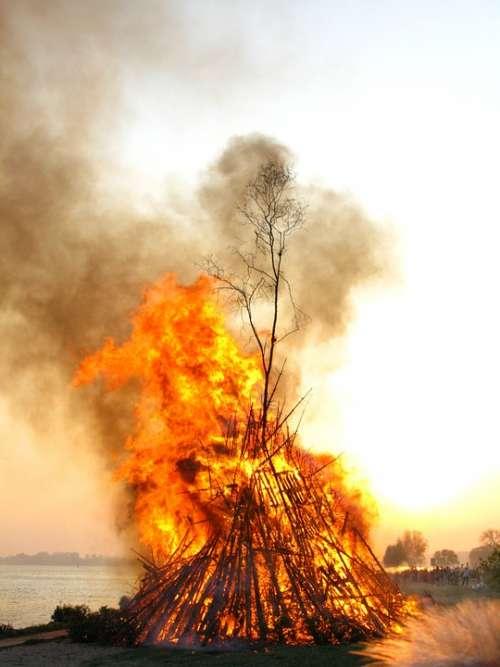 Easter Fire Elbe Fire