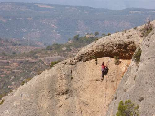 Escalation Climber Rock Margalef Priorat Catalunya