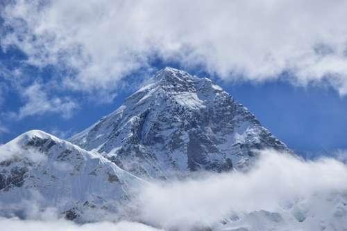 Everest Trekking Clouds Himalayas Nepal