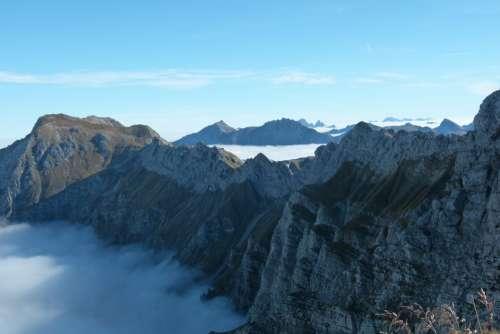 Foghorn Climbing North Walls Fog