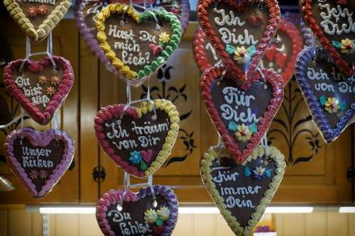 Gingerbread Heart Font Christmas Market