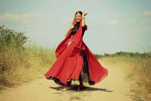 Girl Indian Dance Red Oriental Motion Beauty