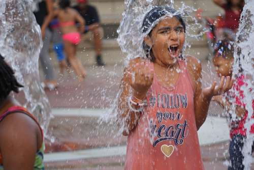 Girl Fun Water Young Girl Atlanta Park
