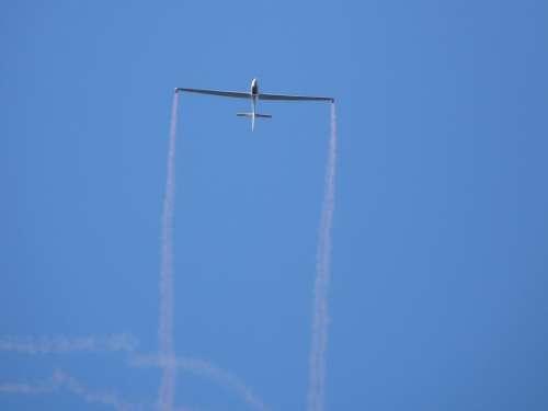 Glider Aircraft Stunt Smoke Bombs