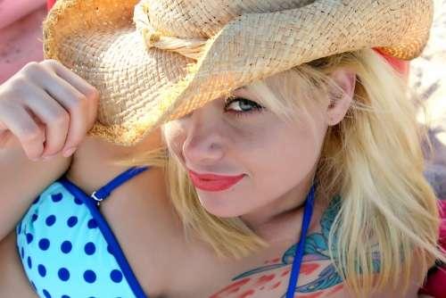 Hat Bikini Model Lips Female Girl Swimsuit