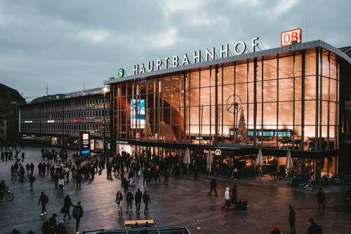 Hauptbahnhof Station Urban City Db Travel Sky