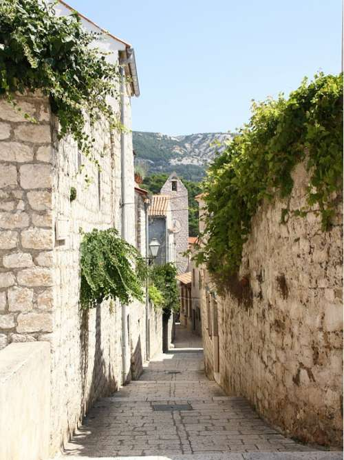 Island Pak Alley Croatia Istria Enge Away