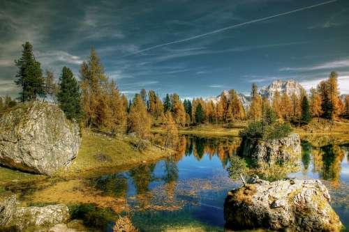 Lago Federa Autumn Sky Dolomites Landscape Nature