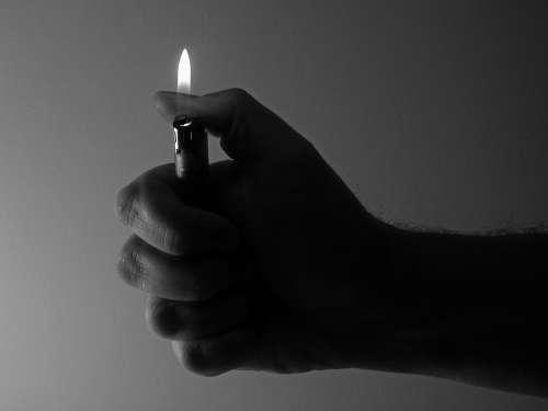 Lighter Flame Hand Keep Thumb Light Burn Kindle