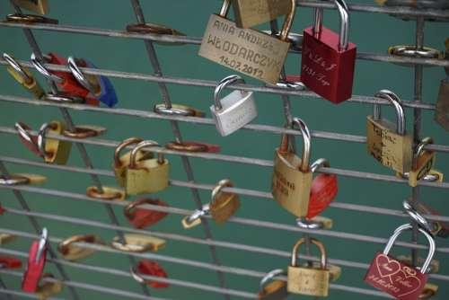 Love Locks Castles Grid Padlock Fence Love Symbol